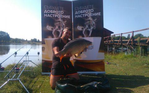 Риболов с приятели на язовир Арбовия.